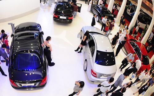 Không những không giảm mà giá bán lẻ của nhiều loại ôtô dự kiến còn tăng đáng kể từ năm 2016.<br>