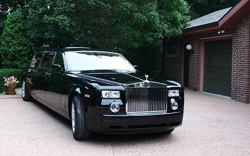 Theo thống kê, hiện ở Việt Nam đang có khoảng 60 chiếc xe mang thương hiệu Rolls-Royce.