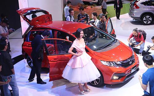 Honda Jazz tạo sức hút mạnh mẽ khi xuất hiện tại triển lãm Vietnam Motor Show 2017 diễn ra mới đây tại Tp.HCM.