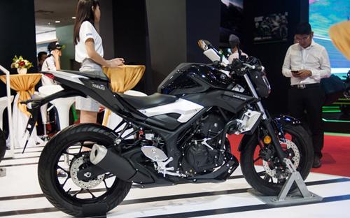 Yamaha MT-03 ABS xuất hiện tại triển lãm Vietnam Motorcycle Show 2017 vừa diễn ra tại Tp.HCM.<br>
