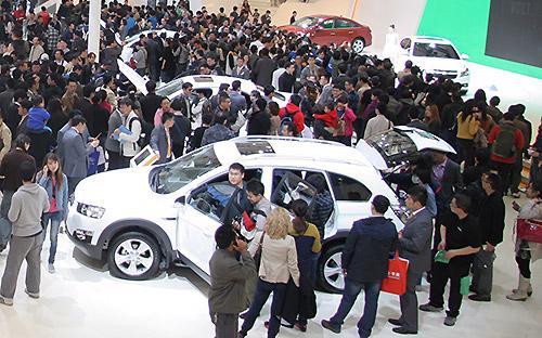 Thống kê của Tổng cục Hải quan cũng chỉ rõ một xu hướng không thể tránh  khỏi là sự áp đảo của ôtô nhập khẩu xuất xứ từ các nước ASEAN và Trung  Quốc, Hàn Quốc, Nhật Bản.