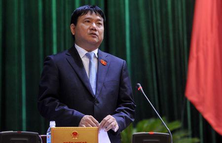 """Bộ trưởng Đinh La Thăng: """"Với tư cách là Bí thư Ban cán sự, là Bộ trưởng Bộ Giao thông Vận tải, tôi xin nhận trách nhiệm về việc này""""."""