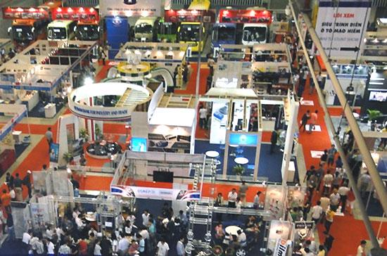 Tương tự nhiều kỳ triển lãm trước, Saigon Autotech 2012 vẫn không có nhiều điểm nhấn.