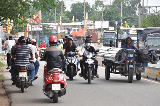 Ngược chiều khi tham gia giao thông đương nhiên là hành động phạm luật và chẳng có gì là hay ho cả.
