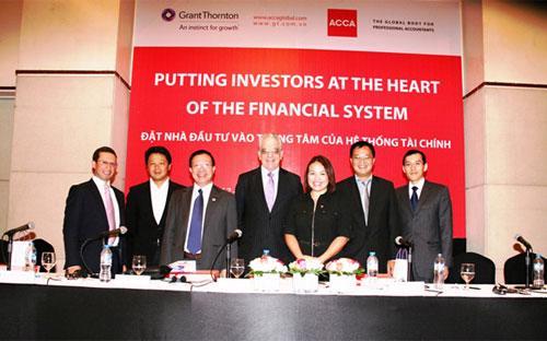 """Hội thảo """"Đặt nhà đầu tư vào trọng tâm hệ thống tài chính"""" của Grant Thornton Việt Nam.<br>"""