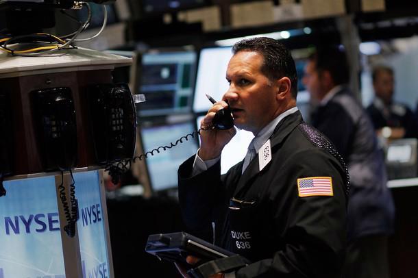 Thị trường chứng khoán đảo chiều tăng mạnh trong phiên cuối tuần nhờ báo cáo kinh tế lạc quan của Mỹ <i>- Ảnh: Getty.</i><br>