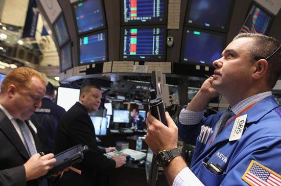 Chỉ số Dow Jones đã liên tục lập kỷ lục 6 phiên giao dịch liên  tiếp. Đây là chuỗi ngày giao dịch tốt nhất của chỉ số này kể từ tháng 3  năm nay - Ảnh: Getty.<br>