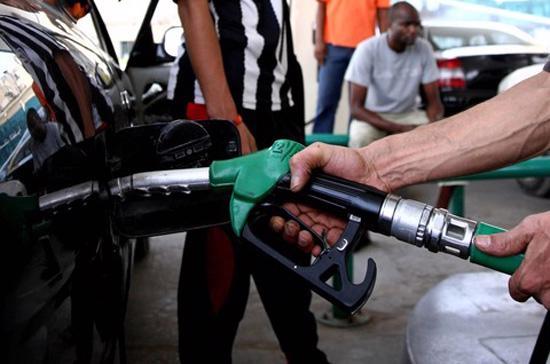 Tính tới nay, lượng cung dầu thô tại Mỹ đã tăng suốt 10 tuần, gây ra  những quan ngại về việc dư cung quá lớn trong bối cảnh lượng tiêu thụ  vẫn còn khá yếu ớt - Ảnh: Getty.<br>