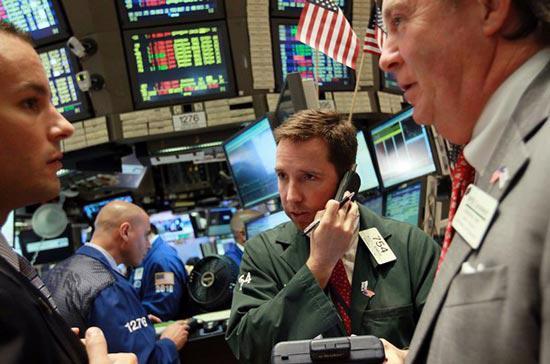 Số cổ phiếu giảm điểm vượt trội số tăng trên sàn giao dịch New York với  tỷ lệ gần 2/1, còn trên sàn Nasdaq, cứ 14 cổ phiếu giảm thì có 11 mã  tăng - Ảnh: Getty.