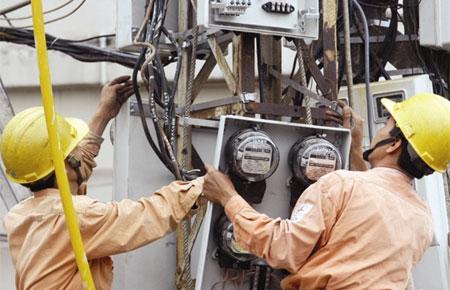 Bộ trưởng Vũ Đức Đam cho rằng, việc giá điện bán thấp hơn giá thành và thấp hơn thế giới đang là rào cản để kêu gọi các thành phần kinh tế đầu tư vào ngành điện.