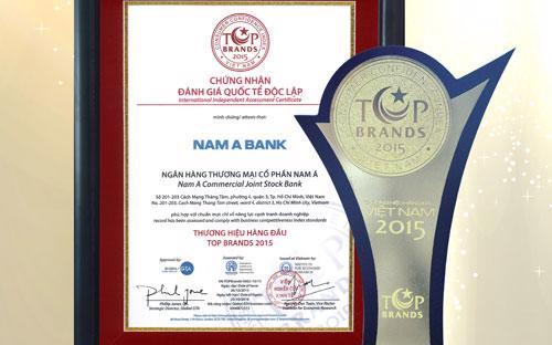 """Giải thưởng """"Thương hiệu hàng đầu - Top Brands 2015"""" do Viện nghiên cứu kinh tế, Trung tâm nghiên cứu Người tiêu dùng Việt Nam, tổ chức Global GTA (Vương quốc Anh) tổ chức và trao tặng."""
