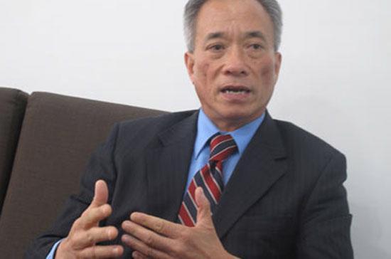 """Chuyên gia tài chính Nguyễn Trí Hiếu: """"Tôi đồng thuận với ý tưởng của Ngân hàng Nhà nước trong việc thành lập công ty mua bán nợ xấu của hệ thống ngân hàng""""."""
