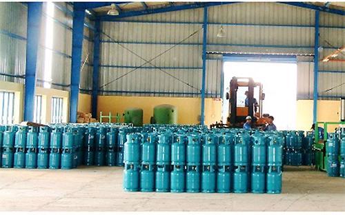 Giá gas bán lẻ trên thị trường chính thức giảm 13.000 đồng/bình 12kg bắt đầu từ 7h30 sáng mai 1/2/2013<br>