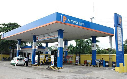Năm 2012, doanh thu từ hoạt động kinh doanh xăng dầu của Petrolimex đạt 165 nghìn tỷ đồng.