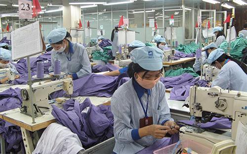 Trong 10 tháng đầu năm nay, EU là thị trường đứng thứ hai về nhập khẩu hàng dệt may từ Việt Nam với trị giá 1,98 tỷ USD.