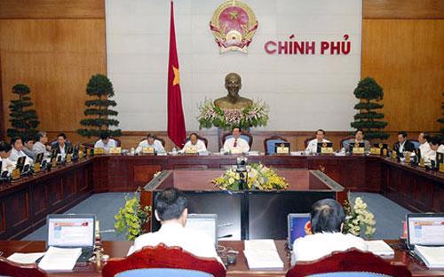 Tại phiên họp thường kỳ tháng 3, Thủ tướng yêu cầu phải tiếp tục tháo gỡ khó khăn cho doanh nghiệp - ảnh: Chinhphu.vn.<br>