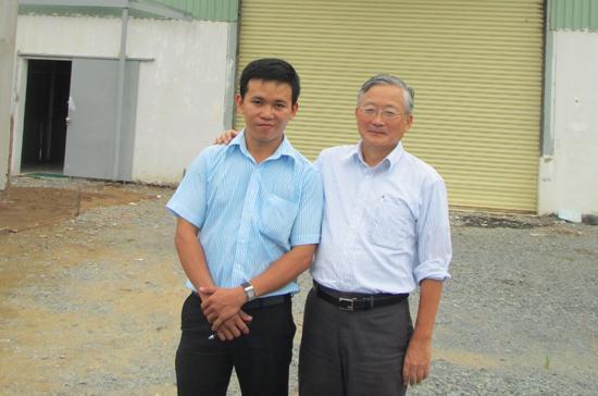 Anh Đỗ Phương Huy, Giám đốc Công ty Viptop Việt Nam, cùng Trưởng đại diện IM Japan - Ảnh: Q.L.
