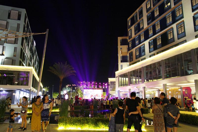 Các thành phố du lịch ở Việt Nam cần thêm nhiều các khu vui chơi giải trí về đêm để phục vụ du khách.<br>