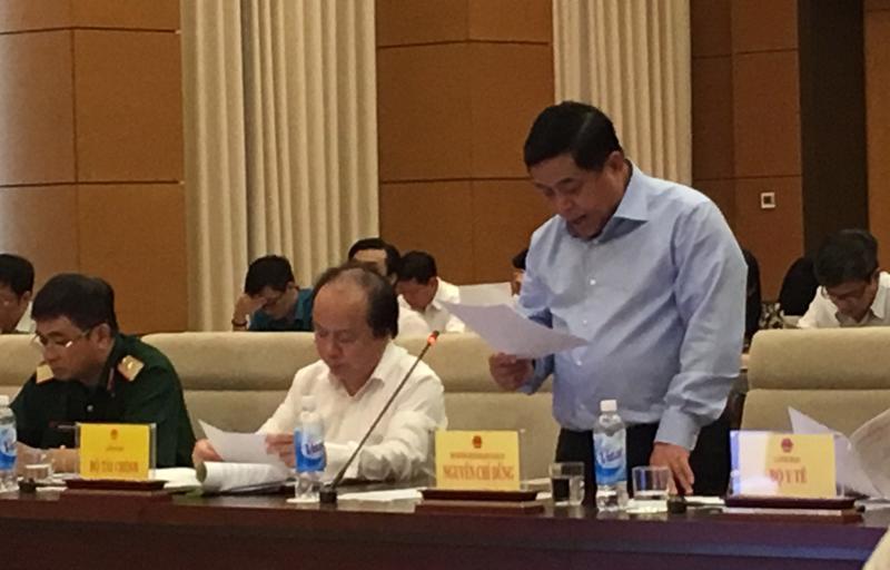 Bộ trưởng Bộ Kế hoạch và Đầu tư Nguyễn Chí Dũng cho biết sẽ đề xuất Chính phủ xem xét 11 nhóm vấn đề vướng mắc của Luật Đầu tư công