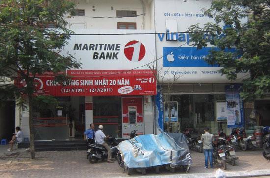 Phòng giao dịch Maritime Bank trên đường Hoàng Quốc Việt.