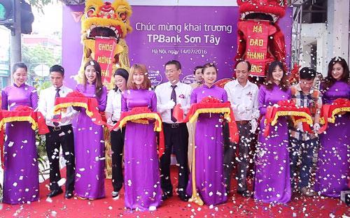 TPBank Sơn Tây có nhiều lợi thế về giao thương, phát triển các dịch vụ, sản phẩm tài chính cho các tổ chức doanh nghiệp và người dân trên địa bàn.