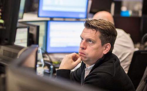 """Khi rút tiền ra khỏi các quỹ chứng khoán, nhà đầu tư lại đổ tiền vào quỹ trái phiếu - Ảnh: Financial Post.<span style=""""font-size: 14.6667px;""""></span>"""