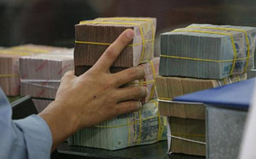Về dài hạn, cần chủ động giảm thiểu đầu tư công, tăng đầu tư ngoài ngân sách nhà nước trong tổng đầu tư xã hội.