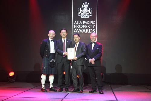 Asia Pacific Property Awards là giải thưởng danh giá nằm trong khuôn khổ  giải thưởng Bất động sản quốc tế (International Property Awards) nhằm  vinh danh các doanh nghiệp, dự án bất động sản nhà ở và thương mại tốt  nhất trên toàn thế giới.