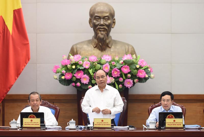 Thủ tướng Nguyễn Xuân Phúc chù trì phiên họp thường kỳ tháng 8 của Chính phủ.<br>