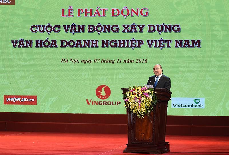 Thủ tướng phát biểu tại sự kiện<b> </b>công bố Ngày Văn hóa doanh nghiệp Việt Nam, tối 7/11.<br>