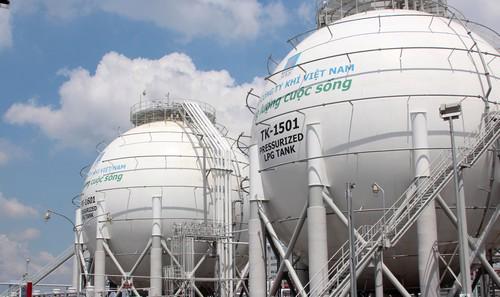 Phát triển đồng bộ hệ thống phân phối khí thấp áp và hệ thống phân phối  khí nén thiên nhiên (CNG) làm tiền đề để phát triển hệ thống phân phối  khí cung cấp cho giao thông vận tải.