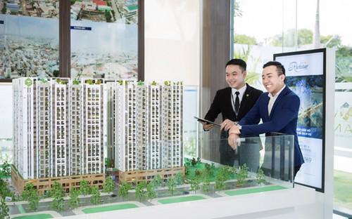 """RichStar tọa lạc ở vị trí được ví như là """"trái tim"""" của quận Tân Phú, ngay mặt tiền giao lộ Hòa Bình, Tô Hiệu, Tp.HCM.<br>"""