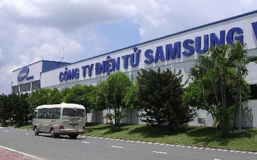 Samsung Vina nhận giấy phép đầu tư từ năm 1995, khánh thành nhà máy vào tháng 9/1996, với tổng vốn đầu tư hơn 36,5 triệu USD.
