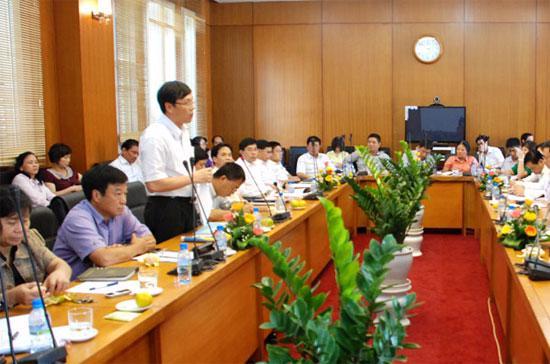 Ông Vũ Bằng, Chủ tịch Ủy ban Chứng khoán Nhà nước phát biểu tại Hội nghị.
