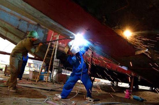 Giá trị sản xuất công nghiệp tháng 1/2010 theo giá so sánh 1994 ước đạt 62,8 nghìn tỷ đồng, tăng mạnh so với cùng kỳ năm trước với mức tăng 28,4% - Ảnh: TTXVN.