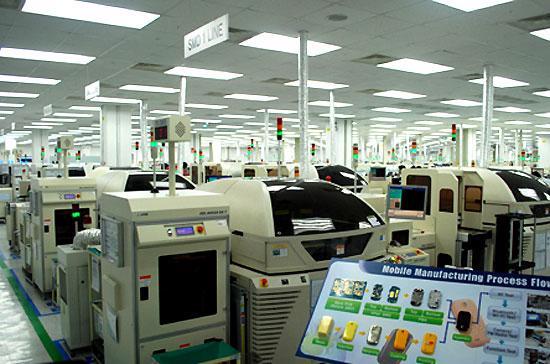 Bên trong nhà máy của Samsung tại Bắc Ninh. Phần mở rộng của dự án này có thể không được ưu đãi như giai đoạn đầu.