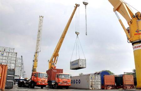 Trong 7 tháng qua, Việt Nam đã nhập khẩu từ Mỹ với kim ngạch hơn 2,77 tỷ USD, chủ yếu là các mặt hàng dùng làm nguyên liệu phục vụ cho các ngành sản xuất ở trong nước - Ảnh minh họa.