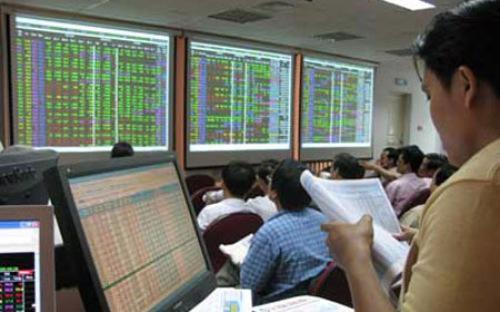 Năm 2012, giá trị giao dịch bình quân trên sàn niêm yết HNX đạt 440 tỷ đồng/phiên, tăng 14% so với năm ngoái.<br>