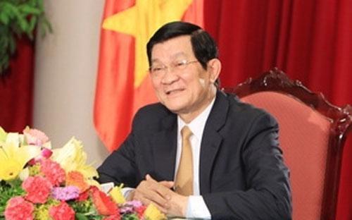 Chủ tịch nước Trương Tấn Sang trả lời phỏng vấn báo chí.