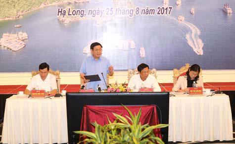 Phó thủ tướng Vương Đình Huệ làm việc với lãnh đạo chủ chốt tỉnh Quảng Ninh ngày 25/8.<br>