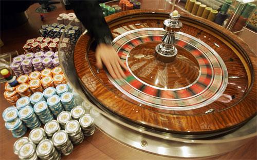 Năm ngoái, Macau đạt doanh thu 38 tỷ USD từ các sòng bạc,  lớn gấp 6 lần tổng doanh thu của các casino trên dải Las Vegas Strip của  nước Mỹ.