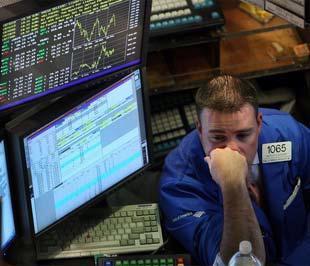 Chứng khoán Mỹ đã giảm mạnh sau khi có ngày tăng điểm ấn tượng trước đó - Ảnh: Reuters.