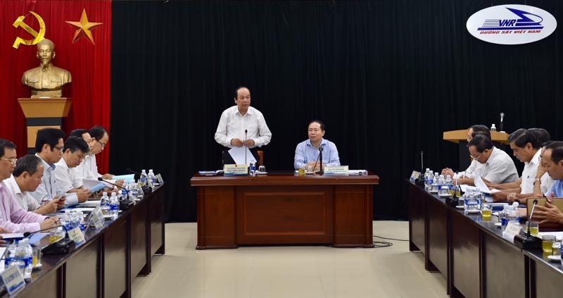 Tổ công tác của Thủ tướng làm việc với Tổng công ty Đường sắt Việt Nam sáng 14/8.<br>