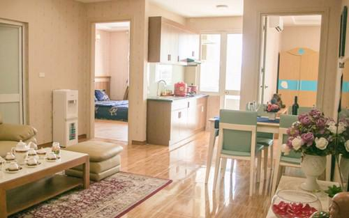 """<div style=""""font-family: &quot;Times New Roman&quot;; font-size: 14.6667px;"""">Tất cả các căn hộ tại Ruby City 2 đều có thiết kế nội thất phòng khách theo phong cách hiện đại.</div><div><br></div>"""