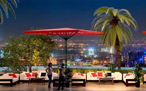 """Những khách hàng đầu tiên tham gia giữ chỗ căn hộ tại tầng 7 tòa tháp  FLC Star Tower sẽ có cơ hội sở hữu khu vườn """"Star Lounge"""" đẹp nhất của  dự án."""