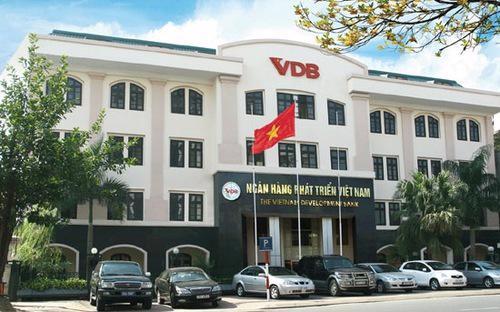 VDB cũng được thực hiện mô hình hội đồng thành viên để quản trị đối với  hoạt động của ngân hàng như một tổ chức tín dụng 100% vốn chủ sở hữu của  Nhà nước.
