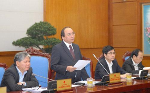 Theo Phó thủ tướng Nguyễn Xuân Phúc, thực tế thời gian qua, các bộ ngành  tổ chức lấy ý kiến của nhân dân góp ý cho sửa đổi dự thảo Hiến pháp năm  1992 rất tốt - Ảnh: VGP.<br>