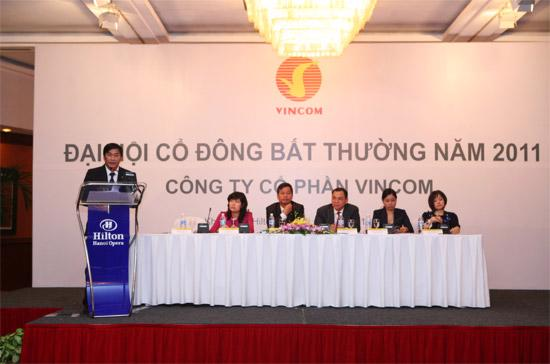 Ông Phạm Nhật Vượng đã được bầu làm Chủ tịch Hội đồng Quản trị VIC, thay ông Lê Khắc Hiệp.