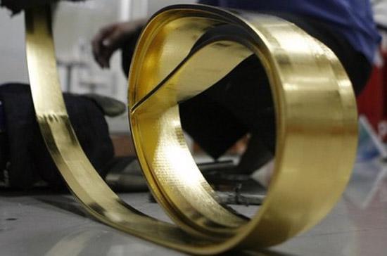 Tổng cục Thống kê cho biết, tính chung, từ đầu năm tới nay đã có một lượng đá quý, kim loại quý và sản phẩm trị giá 1,343 tỷ USD được xuất khẩu khỏi biên giới Việt Nam - Ảnh: Reuters.