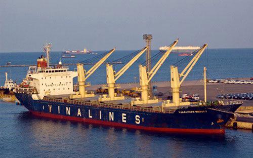 Vinalines cho biết, tổng doanh thu toàn Tổng công ty năm 2013 dự kiến đạt 20.000 tỷ đồng, bằng 94% thực hiện năm 2012.